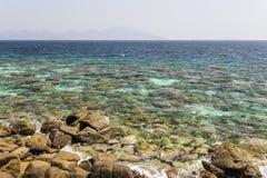 Rok Roy ö i den Tarutao medborgaren Marine Park Royaltyfri Bild