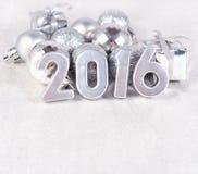 2016 rok srebra postacie i srebrzyste Ð ¡ hristmas dekoracje Zdjęcia Royalty Free