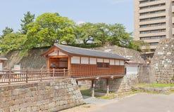 Rokabashi täckte bron av den Fukui slotten i Fukui, Japan Arkivbild