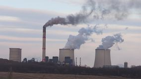 Rokende Elektrische centrale stock footage