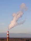 Rokende schoorsteen Stock Fotografie