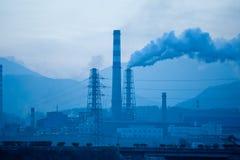 Petrochemische fabrieken royalty-vrije stock afbeelding