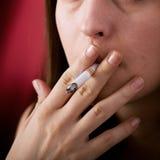 Rokende verslaafde Stock Fotografie