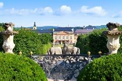 Rokokochateau Dobris, central bohemisk region, Tjeckien, Arkivfoto