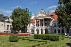 Rokokor och neoclassical Kozlowka (wka för ³ för KozÅ 'Ã) slott, Polen Royaltyfri Fotografi
