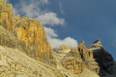 Roky falezy góra, dolomity, Włochy Obraz Stock