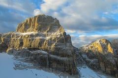 Roky falezy góra góruje i ściany w dolomitów Alps Fotografia Royalty Free