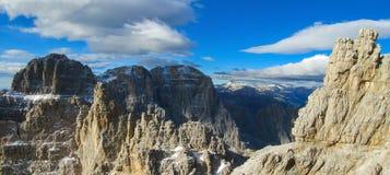 Roky falezy góry dolomity tęsk panorama Zdjęcia Royalty Free