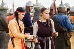 Rola sztuki - reenactment bitwa antyczne słowianki w kwinta festiwalu dziejowi kluby w Zhukovsky okręgu Zdjęcia Stock