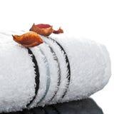 Rolado acima da toalha branca Foto de Stock
