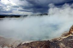 Rolamento sobre as molas grandes, Yellowstone da tempestade Imagem de Stock Royalty Free