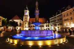 Roland Fountain en Bratislava en noche Foto de archivo libre de regalías