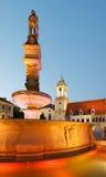 Roland springbrunn och gammalt stadshus i Bratislava Royaltyfria Bilder