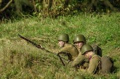Roleplay - rekonstruktion av striden av världskriget 1941 2 i den Kaluga regionen av Ryssland Fotografering för Bildbyråer