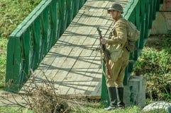 Roleplay - rekonstruktion av striden av världskriget 1941 2 i den Kaluga regionen av Ryssland Arkivbilder