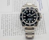 Rolex-Matrose auf einem U-Boot auf englischem Papier Stockfoto