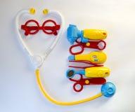 Rolig bakgrund om pediatrisk medicin och allmänna hälsor Royaltyfri Bild
