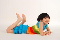 rolig flicka som har little Royaltyfri Bild