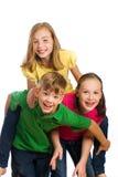 rolig grupp som har ungar Royaltyfri Fotografi