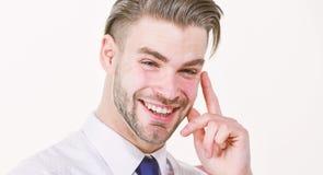 rolig id? Det sk?ggiga manleendet med fingret lyftte isolerat p? vit Lyckligt macho le eller skratta ny id? f?r begrepp royaltyfri fotografi