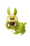 Rolig kanin som göras av frukter Arkivfoto