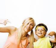 Rolig moder och son med bubbelgum Arkivfoton