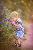 rolig pojke little Royaltyfri Fotografi