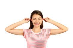 Rolig-se grimacing danandeöron för kvinna som sticker fram emotionell flicka som isoleras på vit bakgrund royaltyfria foton