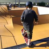 rolig skateboard Arkivfoto