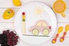 Rolig smörgås för ett barn royaltyfria bilder