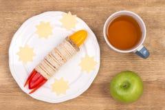 Rolig smörgås för ungar i form av en raket Royaltyfri Foto