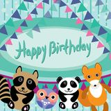 roliga djur Uggla räv, tvättbjörn, panda lyckligt födelsedagkort Ve Arkivfoton
