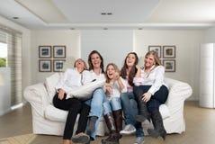 Roliga familjflickor Arkivbild