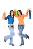 roliga flickor för dag som har ut att shoppa Royaltyfri Fotografi