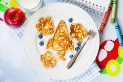 Roliga formade pannkakor för utrymmeraket för ungar Royaltyfri Bild