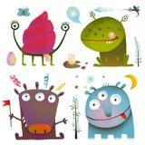 Roliga gulliga små monster för ungar planlägger färgrikt Arkivbild