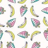 Roliga Memphis Strawberry Banana Pattern, sömlös vektorbakgrundsillustration royaltyfri illustrationer