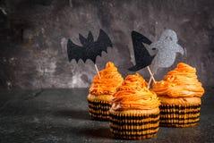Roliga muffin för allhelgonaafton Arkivbilder