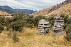 Roliga seende stenblock Arkivbild