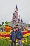 Roliga Tid i Disneyland parkerar, Paris arkivbild