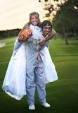 roligt bröllop för par Royaltyfria Bilder