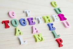 Roligt tecken för bokstavskorsordpussel Arkivbilder