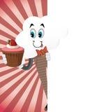 Roligt tecknad filmmolntecken med muffin Arkivfoton