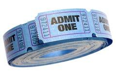 Rolka błękit przyznaje jeden bilety odizolowywających na białym tle, zamyka up Zdjęcie Royalty Free