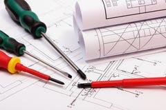 Rolki diagramy i prac narzędzia na elektrycznym budowa rysunku dom Zdjęcia Royalty Free