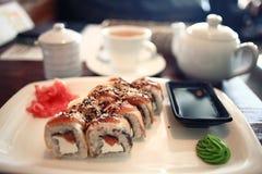 Rolki i zielona herbata japończyka kuchnia Obrazy Royalty Free
