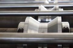 Rolle der Fliese Maschine bildend Lizenzfreie Stockfotos