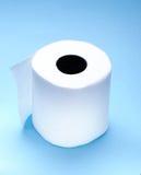 Rolle des weißen Toilettenpapiers Lizenzfreie Stockfotos