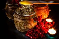 Rollen Sie mit kutia - traditionelles Weihnachtssüße Mahlzeit in Ukraine, in Weißrussland und in Polen Stockbild