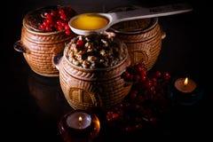 Rollen Sie mit kutia - traditionelles Weihnachtssüße Mahlzeit in Ukraine, in Weißrussland und in Polen Lizenzfreie Stockbilder
